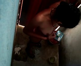 Next door desi neighbour bhabhi filmed secretly taking shower