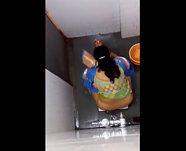 Bhabhi Peeing Filmed Bu Hidden Camera