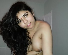 Juicy Indian Big Boob Bhabhi Blowjob