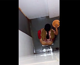 Secret Sex Tape Of Indian Bhabhi Peeing
